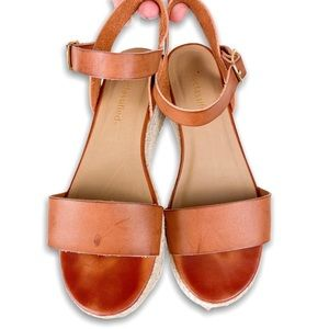 City Classified Espadrille Wedge Sandal Size 6
